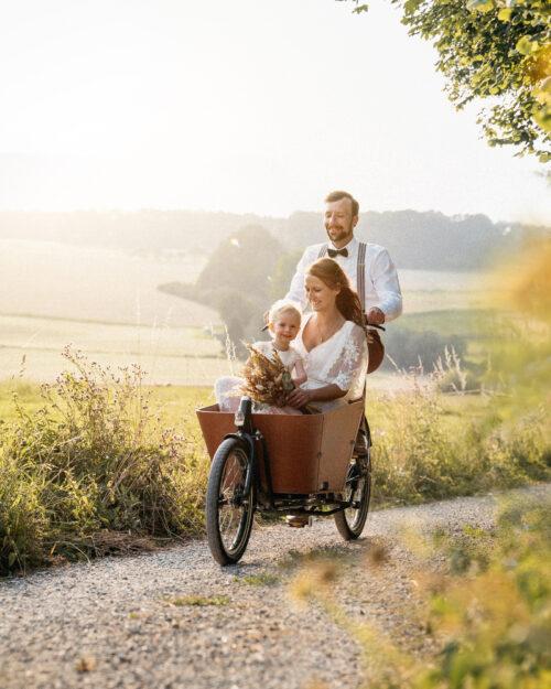 Spontane Hochzeit im Freiem – mit Lastenrad ins Hochzeitsglück